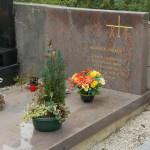 Tomba del veggente Maximin Giraud presso il cimitero di Corps